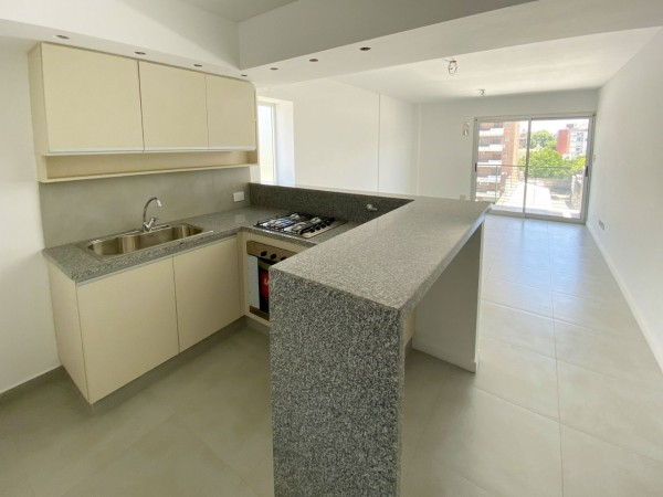 Depto dos dormitorios, balcon - Edificio de categoria - Nuevo a estrenar - Cochera - Santiago 1400