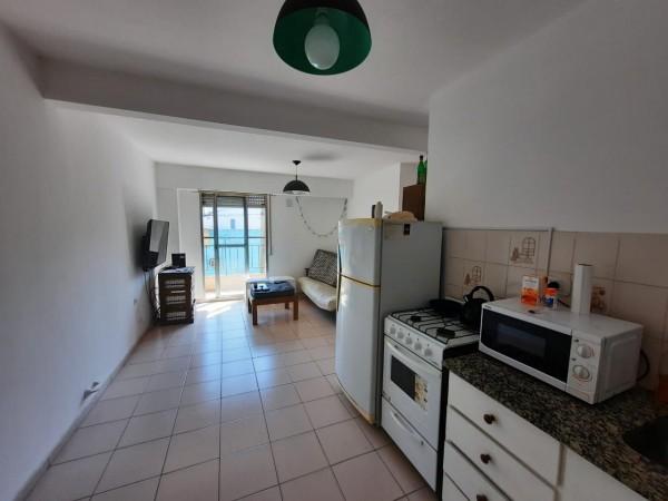 Oportunidad!! Depto 1 dormitorio - Balcon a la calle - Castellanos y Pellegrini