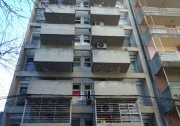 Oportunidad Barrio Martin. Semipiso dos dormitorios. Balcón. Lavadero. Ayacucho 1500